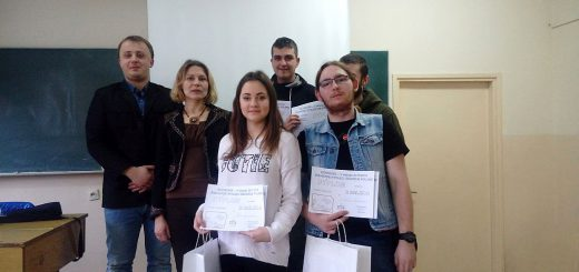 """Uczniowie z nagrodami po konkursie historycznym """"Żołnierze Wyklęci obudźcie Polskę"""""""